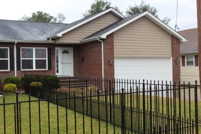 Barboursville Single Family Home For Sale: 558 Depot Street