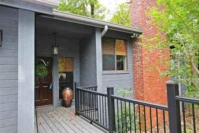 Huntington Single Family Home For Sale: 302 Wood Lomond Way