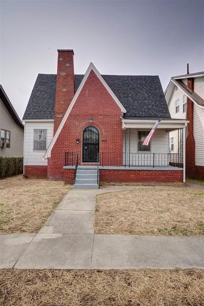 Huntington Single Family Home For Sale: 408 W 24th Street