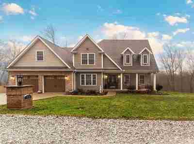 Huntington Single Family Home For Sale: 62 Quiet Oak Lane