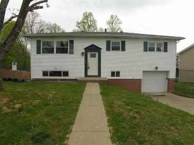 Milton WV Single Family Home For Sale: $165,900