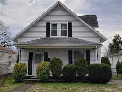 Huntington Single Family Home For Sale: 2791 Emmons Ave