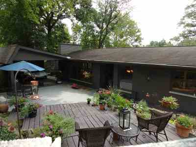 Huntington Single Family Home For Sale: 5747 Glen Carla Drive