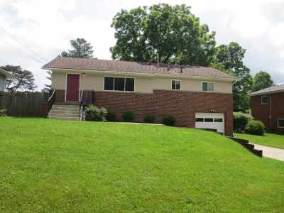 Huntington Single Family Home For Sale: 6189 Birkewood Road
