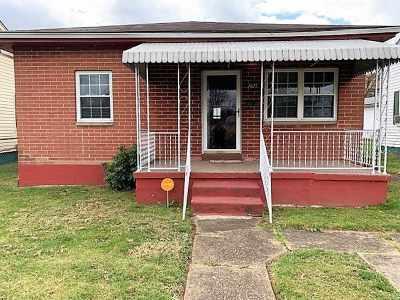 Huntington Single Family Home For Sale: 3425 Bradley Road