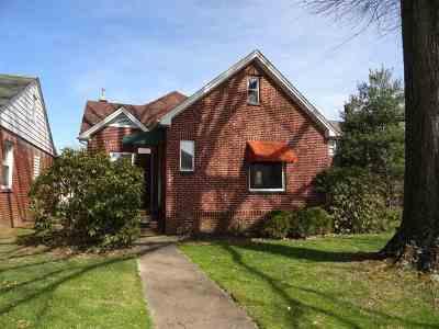 Huntington Single Family Home For Sale: 1024 3rd Street West