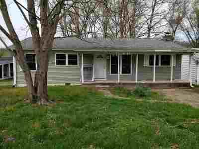 Huntington Single Family Home For Sale: 6154 C Rosalind Ct