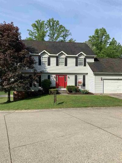 Huntington Single Family Home For Sale: 14 Brookshire Drive