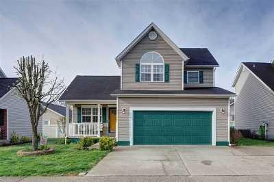 Huntington Single Family Home For Sale: 82 Palm Drive