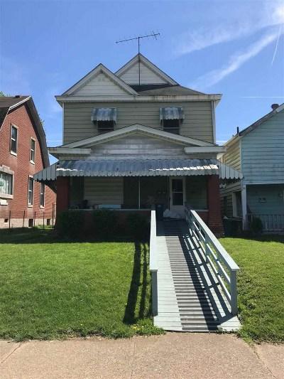 Huntington Single Family Home For Sale: 2327 8th Avenue