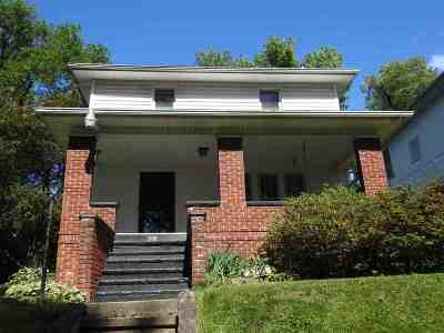 Huntington Single Family Home For Sale: 1808 18th St.
