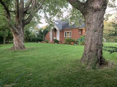 Huntington Single Family Home For Sale: 5915 Mahood Drive