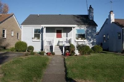 Huntington Single Family Home For Sale: 412 California Street