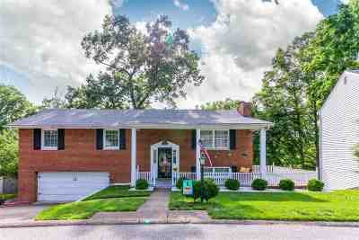 Huntington Single Family Home For Sale: 9 Parkway Dr