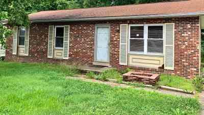 Huntington Single Family Home For Sale: 3519 Sky Oak Drive