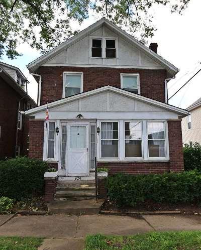 Huntington Single Family Home For Sale: 925 7th St