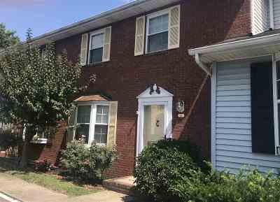 Huntington Condo/Townhouse For Sale: 5821 East Pea Ridge Road #13
