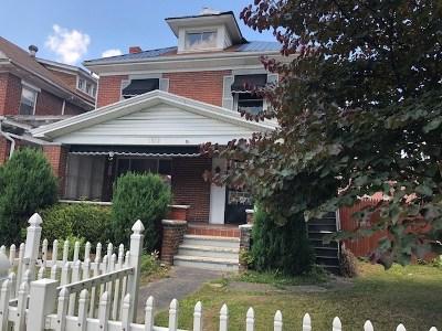 Huntington Single Family Home For Sale: 1032 Madison Avenue
