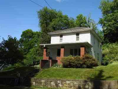 Huntington Single Family Home For Sale: 1808 18th St