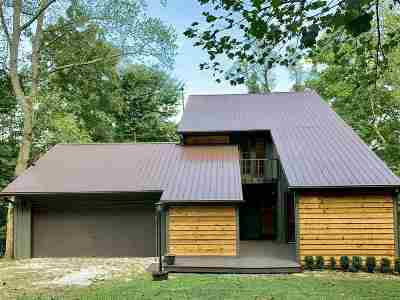 Huntington Single Family Home For Sale: 1327 Lookout Drive