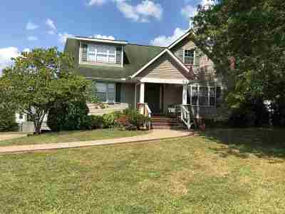 Milton Single Family Home For Sale: 38 Woodland Ct
