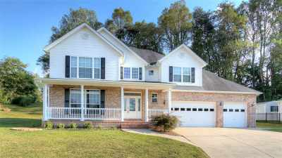 Milton Single Family Home For Sale: 152 Thoroughbred Way