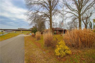 Scott Depot Single Family Home For Sale: 111 Crooked Creek Road