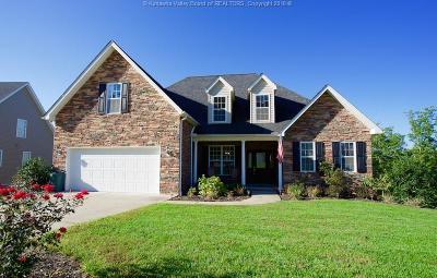 Single Family Home For Sale: 195 Wynterhall Lane