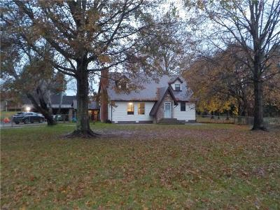 Fraziers Bottom Single Family Home For Sale: 19095 Winfield Road