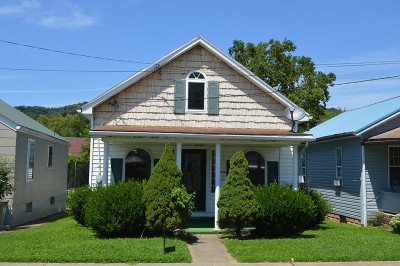 Paden City WV Single Family Home For Sale: $54,900