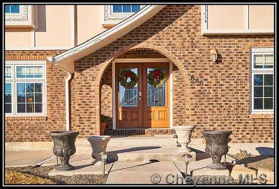 Western Hills Single Family Home For Sale: 848 Oakhurst Dr