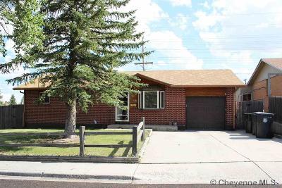 Cheyenne Single Family Home For Sale: 1401 W Jefferson Rd