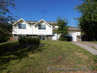 Cheyenne Single Family Home For Sale: 712 Cottonwood Dr