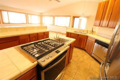 Laramie Single Family Home For Sale: 2105 Nighthawk Dr