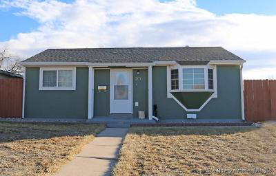 Cheyenne Single Family Home For Sale: 301 Stinson Ave