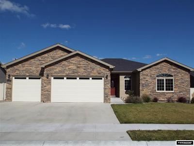 Casper Single Family Home For Sale: 2463 Grove