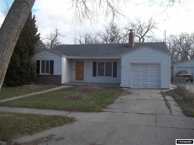 Single Family Home For Sale: 1729 S Chestnut