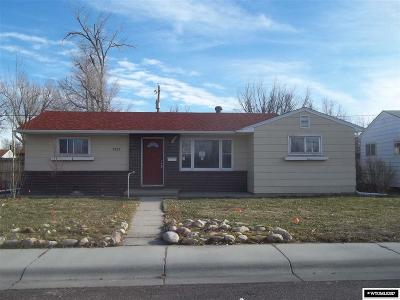 Single Family Home For Sale: 1537 Cody
