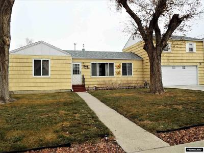 Casper WY Single Family Home For Sale: $141,000