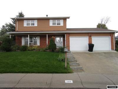 Casper, Evansville, Bar Nunn, Glenrock, Douglas, Midwest, Alcova Single Family Home For Sale: 139 Sherwood