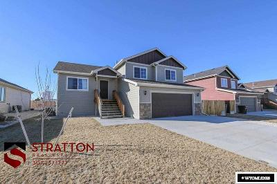 Single Family Home For Sale: 738 Whipsaw
