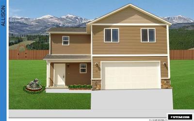 Buffalo Single Family Home For Sale: 630 Melody
