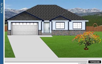 Buffalo Single Family Home For Sale: 634 Melody