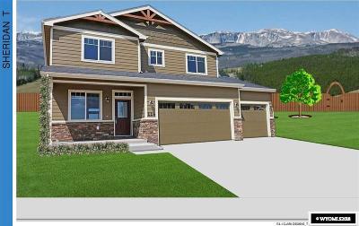Buffalo Single Family Home For Sale: 662 Melody