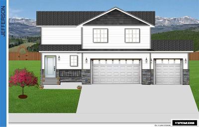 Buffalo Single Family Home For Sale: 626 Melody