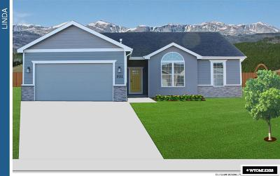 Buffalo Single Family Home For Sale: 659 Melody