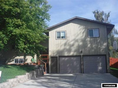 Buffalo Single Family Home For Sale: 610 Apache