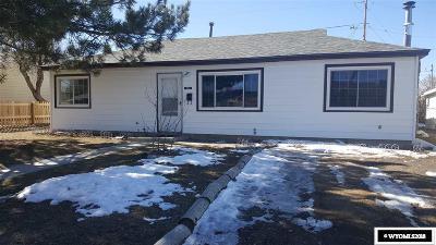 Casper Single Family Home For Sale: 334 Robin