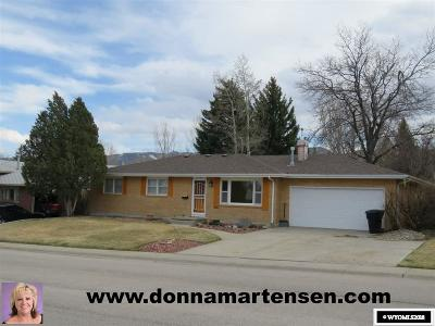 Casper WY Single Family Home For Sale: $255,900