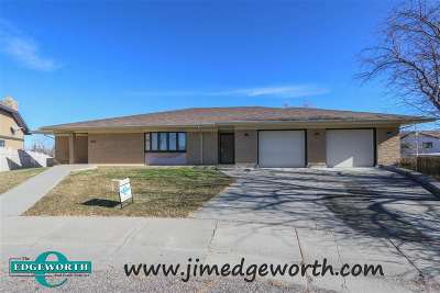 Casper Single Family Home For Sale: 1431 S Center